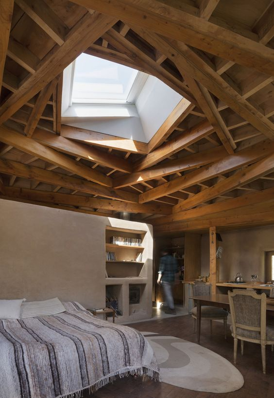 Terrasse en bois avec formes géométrique
